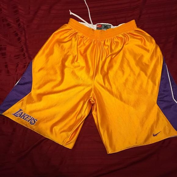 a57211e4aeec Nike reversible Los Angeles Lakers Shorts xl. M 5af352afcaab4435ed026208